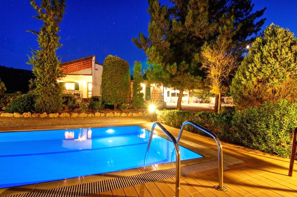Exterior & Pool area